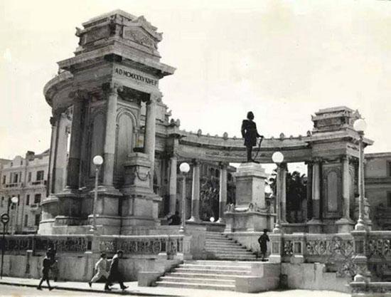 النصب التذكارى بالاسكندرية، ترميم النصب التذكارى بالاسكندرية،  الخديو اسماعيل باشا،  المعمارى الايطالى أنرستو فيروتشى بك (3)