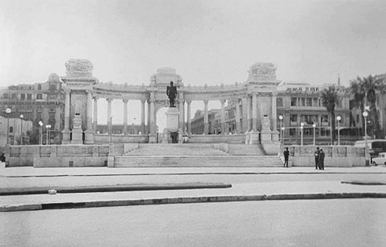 النصب التذكارى بالاسكندرية، ترميم النصب التذكارى بالاسكندرية،  الخديو اسماعيل باشا،  المعمارى الايطالى أنرستو فيروتشى بك (4)