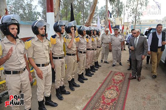عيد الفطر المبارك، المنوفية،تهنئة افراد قوات الامن، محافظ المنوفية يزور قوات الامن (1)