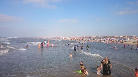 -المعيدين-على-شواطئ-مصيف-بلطيم-(3)