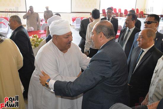 محافظ-سوهاج-ومدير-الأمن-يستقبلان-المهنئين-بعيد-الفطر-المبارك-(10)