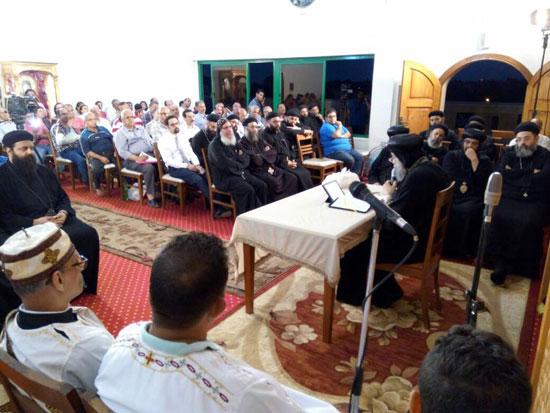 البابا-تواضروس-يلقى-العظة-الاسبوعية-من-كنيسة-الملاك-ميخائيل-(2)