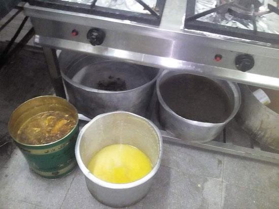 مطبخ أحد المطاعم أثناء التفتيش  (4)