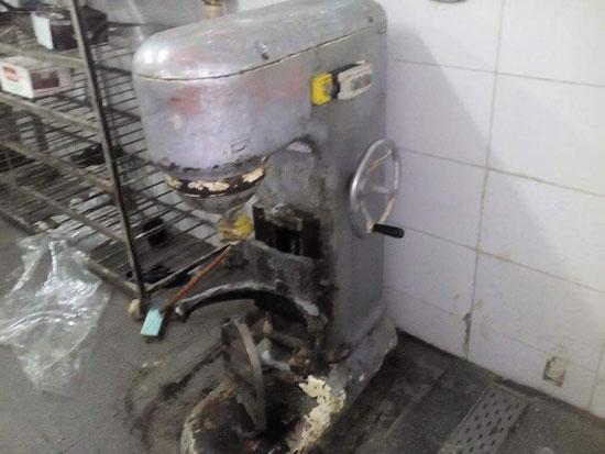 مطبخ أحد المطاعم أثناء التفتيش  (5)