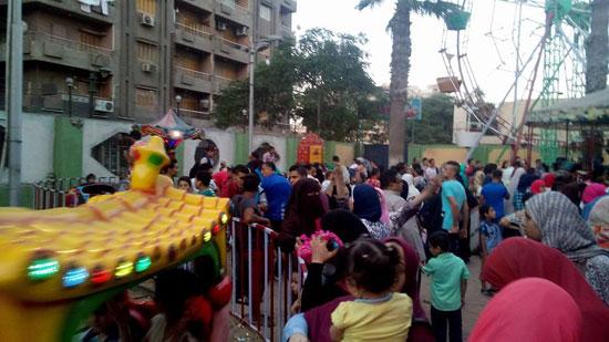 الألعاب المتحركة والمراجيح في الشوارع العامة (3)