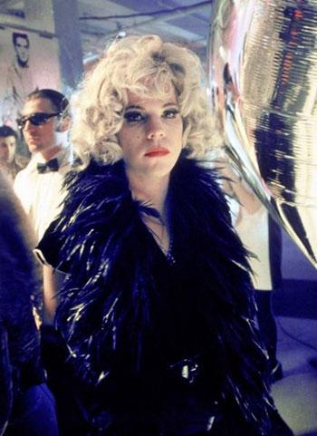 ستيفن دورف عام 1996 فى فيلم I Shot Andy Warhol -اليوم السابع -8 -2015