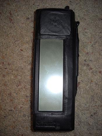 مرور 21 عاماً على إطلاق أول هاتف محمول ذكى على وجه الارض
