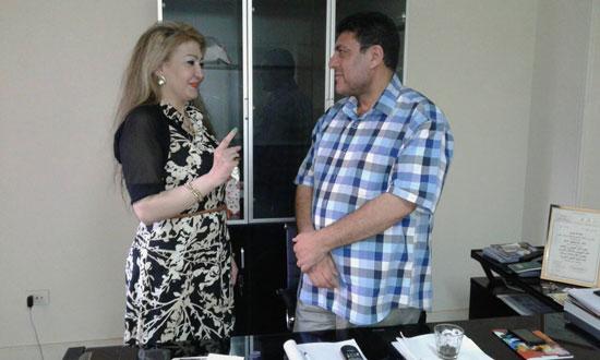 مع أحد ضيوف برنامجها متحدثا عن قناة السويس -اليوم السابع -8 -2015