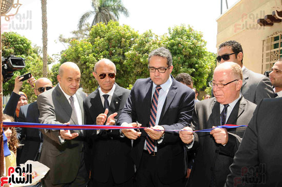 1 (14)وزراء الآثار والثقافة والسياحة يفتتحون متحف ركن فاروق بحلوان