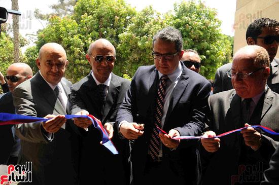 1 (15)وزراء الآثار والثقافة والسياحة يفتتحون متحف ركن فاروق بحلوان