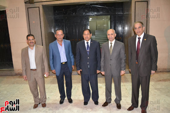 محافظ الغربية ومساعد الوزير لقطاع وسط الدلتا (1)