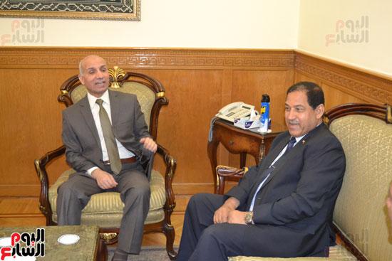 محافظ الغربية ومساعد الوزير لقطاع وسط الدلتا (2)