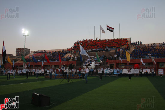 1البابا تواضروس ووزير الرياضة يوقدان شعلة النشاط الصيفى للكشافة بالإسكندرية (11)