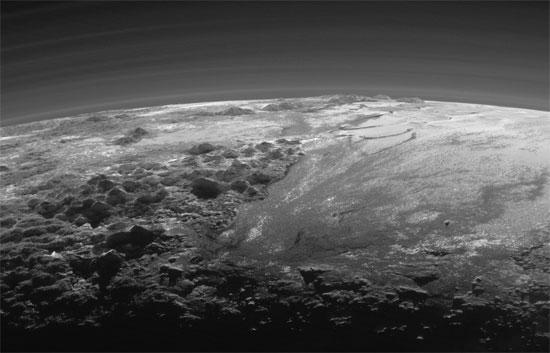 أول صور لغروب الشمس على كوكب بلوتو