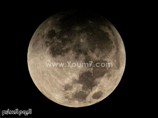 3 ـ خسوف القمر بعدسة أسامة ممدوح -اليوم السابع -9 -2015