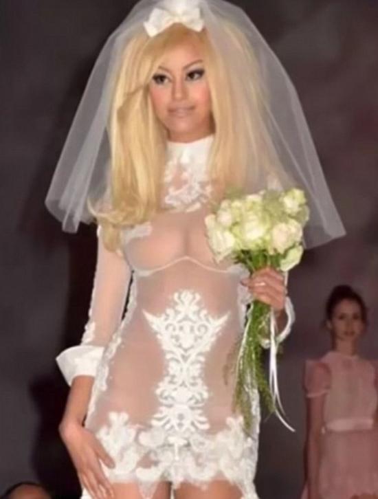 445f93a085616 بالصور أسوأ 10 فساتين زفاف ممكن تشوفيهم فى حياتك - صوت المسيحي