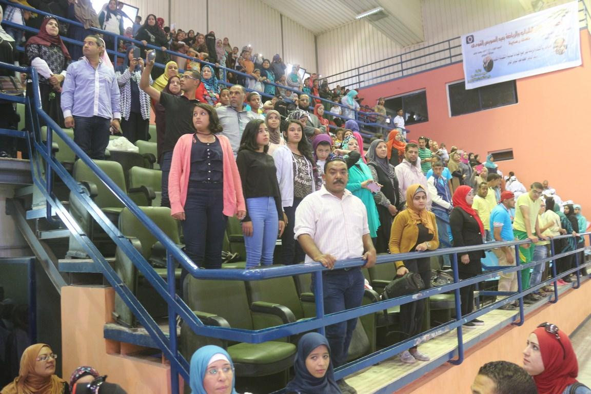 المواطنين المشاركين فى حفل العيد القومى للسويس