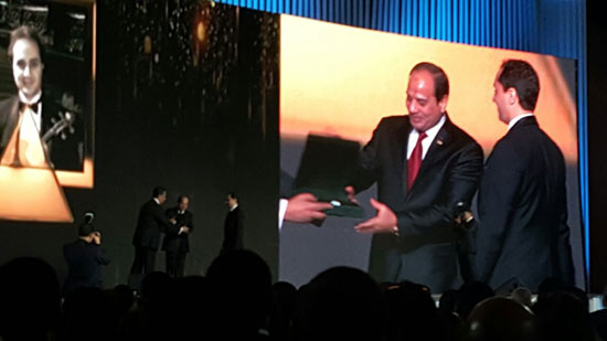 ننشر صور الفائزين بجوائز الإبداع فى ختام مؤتمر الشباب وتكريم الرئيس لهم (42)