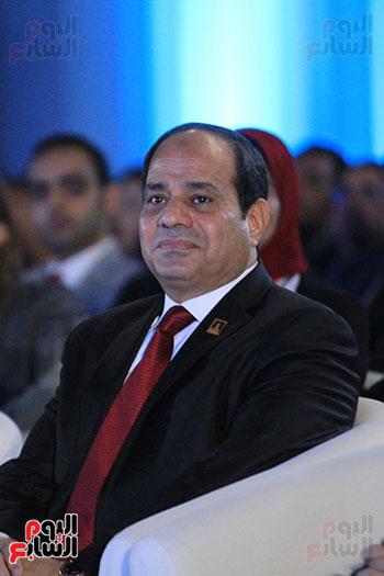 1الرئيس السيسى يشهد الجلسة الختامية لمؤتمر الشباب فى شرم الشيخ (7)
