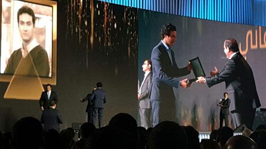 ننشر صور الفائزين بجوائز الإبداع فى ختام مؤتمر الشباب وتكريم الرئيس لهم (35)