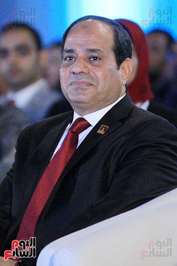 1الرئيس السيسى يشهد الجلسة الختامية لمؤتمر الشباب فى شرم الشيخ (3)