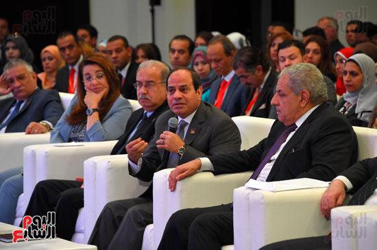 الرئيس السيسى يشارك فى جلسة عودة الجماهير للملاعب بمؤتمر الشباب (12)