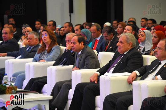 الرئيس السيسى يشارك فى جلسة عودة الجماهير للملاعب بمؤتمر الشباب (6)