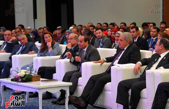 الرئيس السيسى يشارك فى جلسة عودة الجماهير للملاعب بمؤتمر الشباب (11)