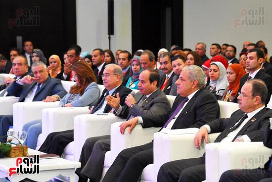 الرئيس السيسى يشارك فى جلسة عودة الجماهير للملاعب بمؤتمر الشباب (7)