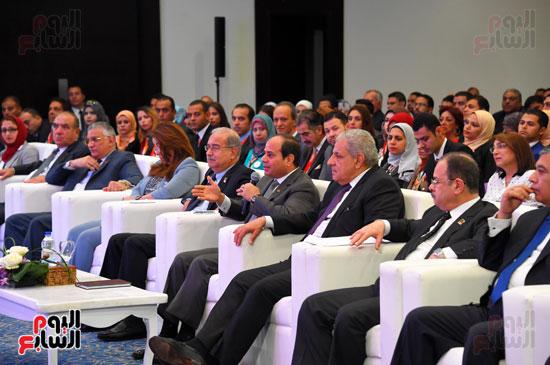 الرئيس السيسى يشارك فى جلسة عودة الجماهير للملاعب بمؤتمر الشباب (8)