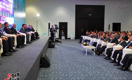 الرئيس السيسى يشارك فى جلسة عودة الجماهير للملاعب بمؤتمر الشباب (10)