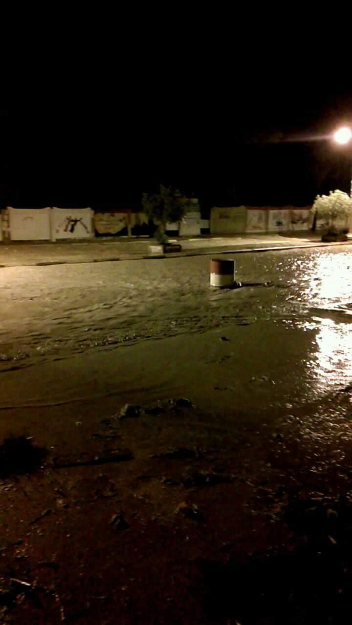 السيول تغرق الشوارع فى مدينة رأس غارب