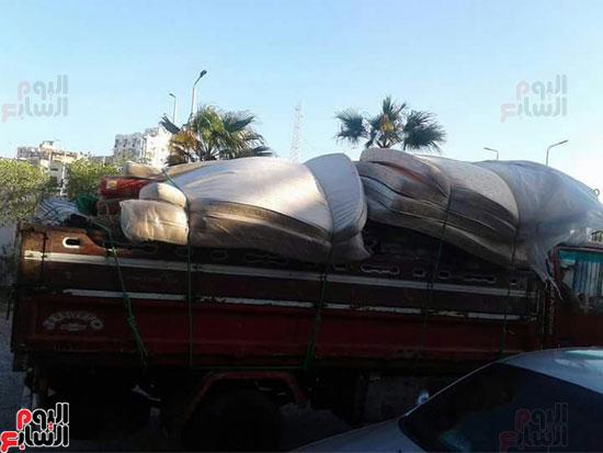 إعانات ومساعدات من أهالى الغردقة لمدينة غارب (2)