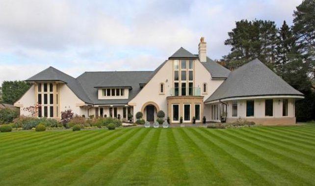 قصر يحتوى على 8 غرف بـ 6.75 مليون إسترلينى