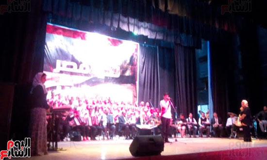 الفنان علاء مرسى خلال الاحتفال
