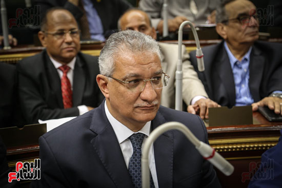 احمد زكي بدري وزير التنمية المحلية