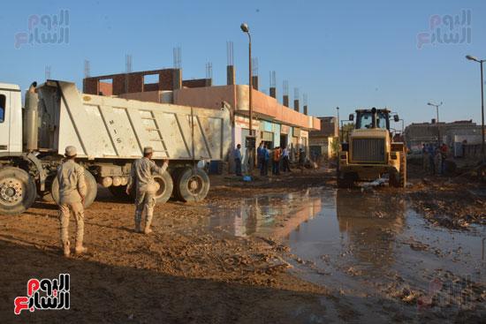 جانب من اعمال القوات المسلحة لمواجهة السيول