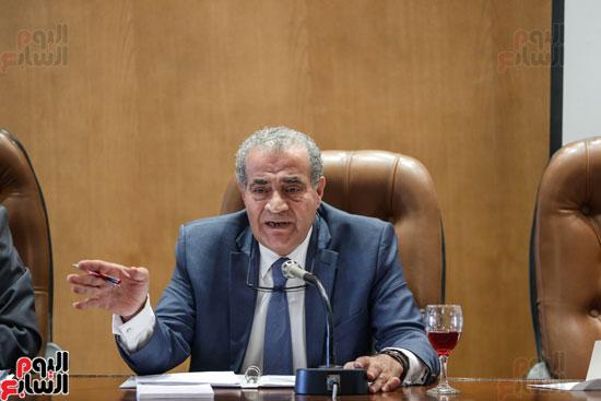 النائب علي مصيلحي رئيس اللجنة الاقتصادية