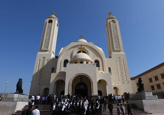 صلاة القداس على أرواح الطائرة المنكوبة بكنيسة شرم الشيخ (23)