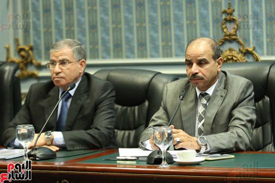 رئيس لجنة الزراعة مع وزير التموين