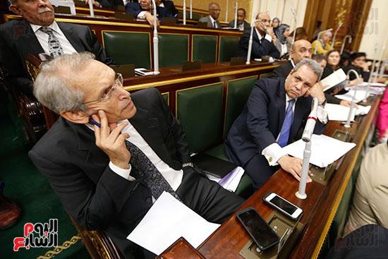 حزن وغضب النواب من أداء الحكومة
