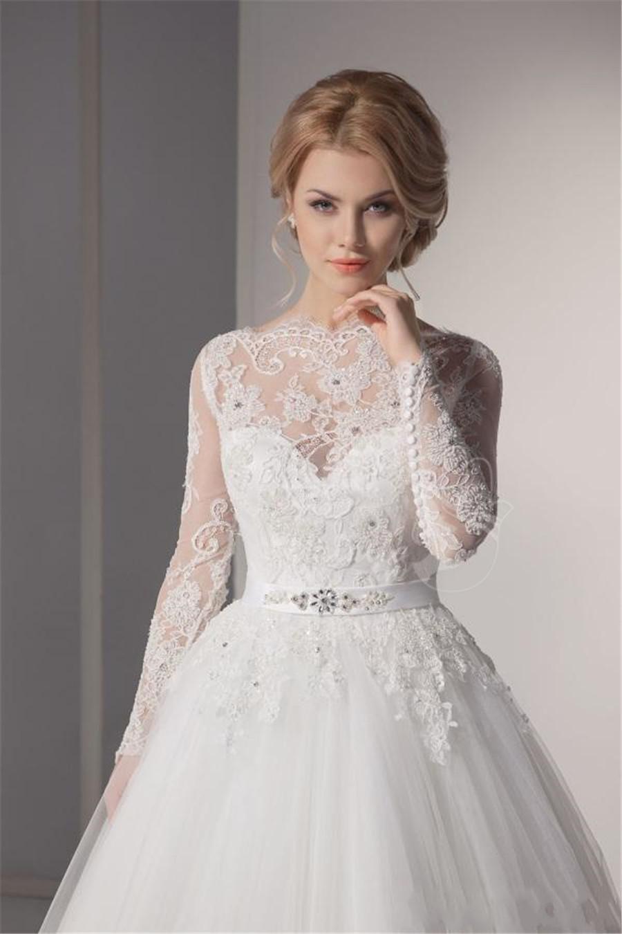 cd1078065 لو بتحبى الدانتيل.. بالصور.. 10 فساتين زفاف هيخلوكى ملكة يوم فرحك ...