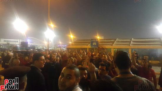 وصول-بعثة-فريق-يد-الأهلي-للقاهرة-بعد-الفوز-بالبطولة-الأفريقية-(2)