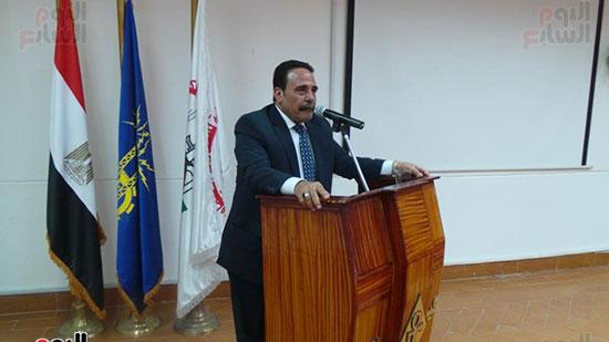 رئيس اتحاد نقابات عمال مصر