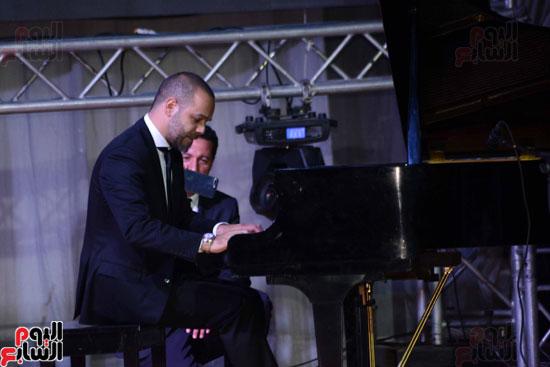 عزف المايسترو اللبنانى ميشيل فاضل