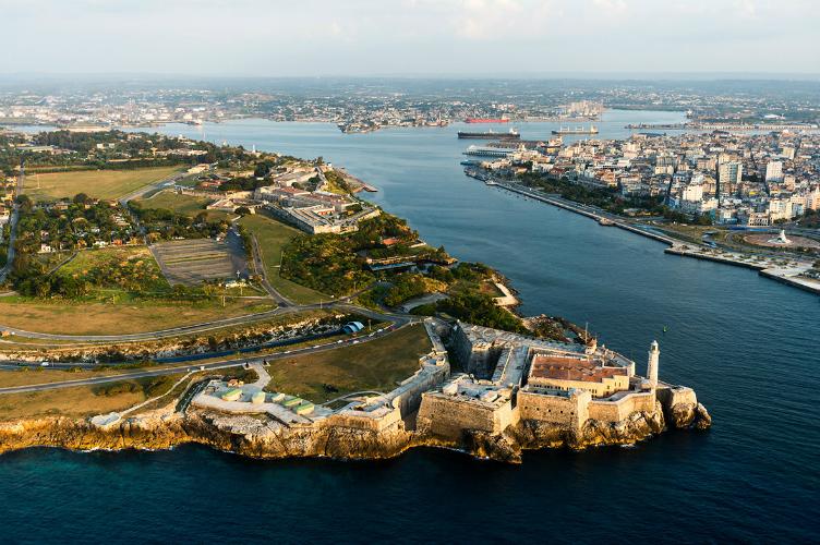 تحتل-قلعة-مورو-مكانة-هامة-في-المشهد-الخليجي-لمدينة-هافانا-وتعتبر-إحدى-أهم-معالمها-التاريخية