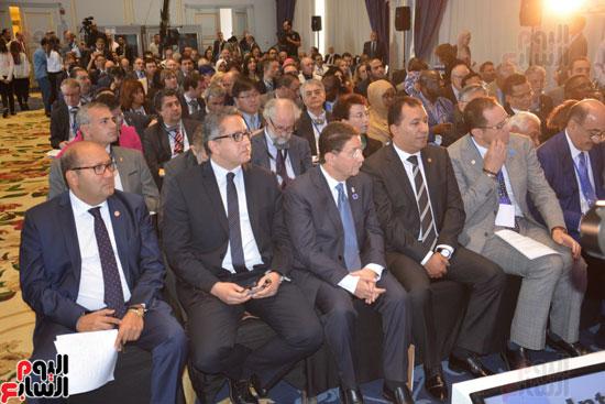 وزير الآثار وقيادات السياحة والخارجية في حضور الإفتتاح