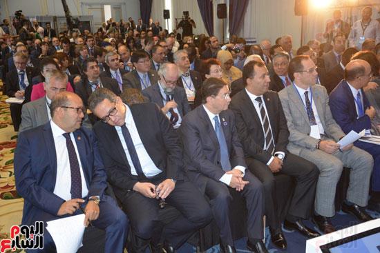 رئيس هيئة تنشيط السياحة والقيادات في حضور الافتتاح