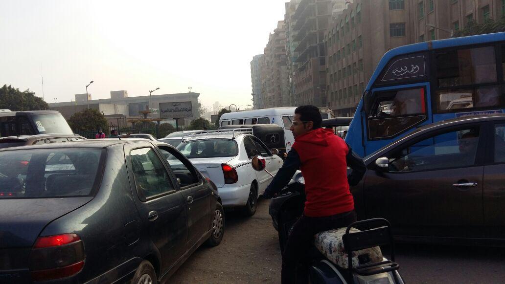 الزحام المرورى بكوبرى العمرانية