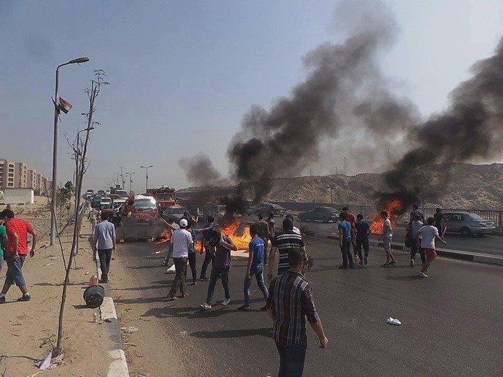 صورة من احتجاجات أهالى فيصل 2015 بسبب قطع المياه